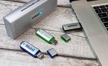 https://static.custom-flash-drives.com.au/images/products/Classic/Classic2.jpg