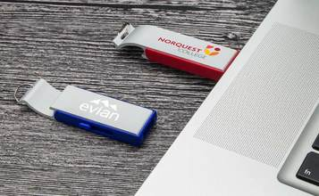 https://static.custom-flash-drives.com.au/images/products/Pop/Pop_01.jpg